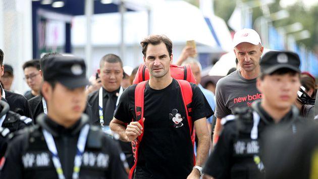 Roger Federer eliminó a Bautista y sigue en carrera en el Masters 1000 de Shangai