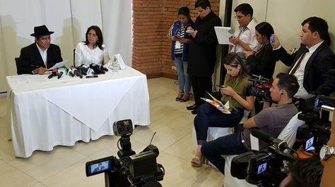 El canciller Diego Pary y la ministra de Comunicación, Gisela López, en la rueda de prensa de este jueves.