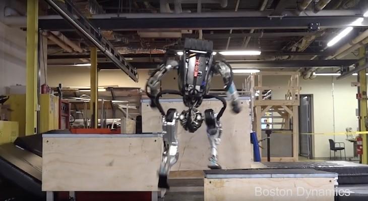 Mira a Atlas, el robot humanoide haciendo parkour