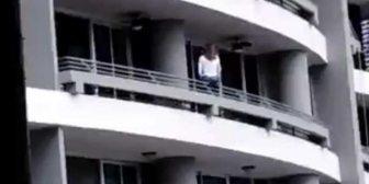 El trágico momento en el que una mujer cae de un balcón desde un piso 27 al intentar tomarse una selfie