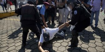 La Policía reprimió con violencia una nueva protesta contra Ortega en Nicaragua