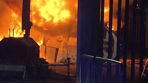 El momento en el que el helicóptero se vio envuelto en llamas