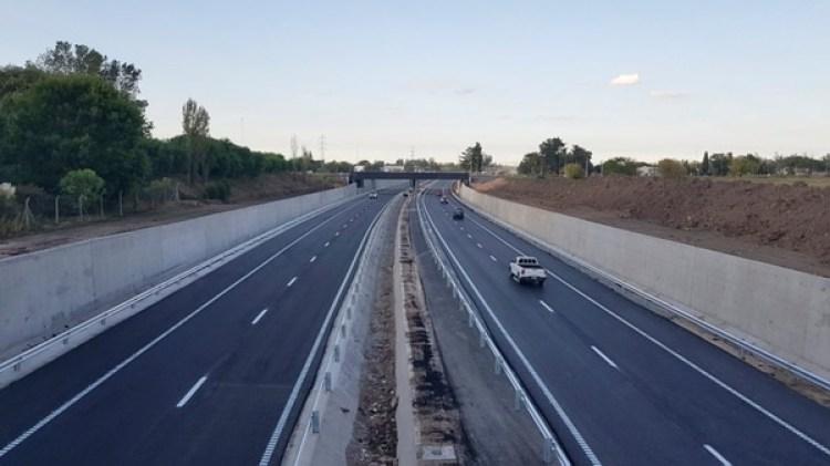 Algunos expertos apuntan a que el plástico se podría reutilizar para la pavimentación de carreteras (Archivo)