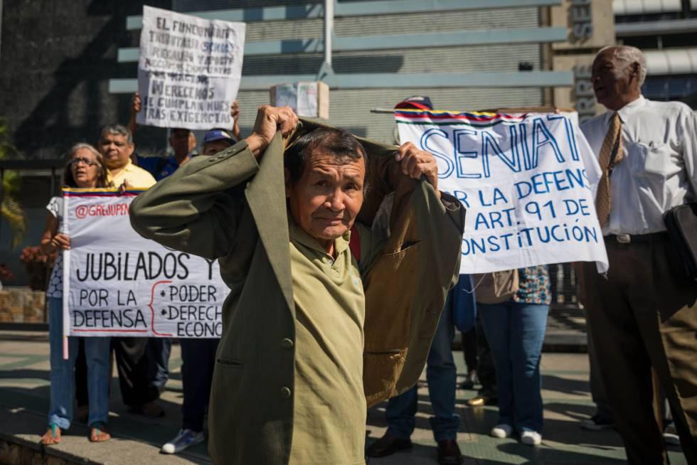 Jubilados venezolanos piden una mejora de sus condiciones.