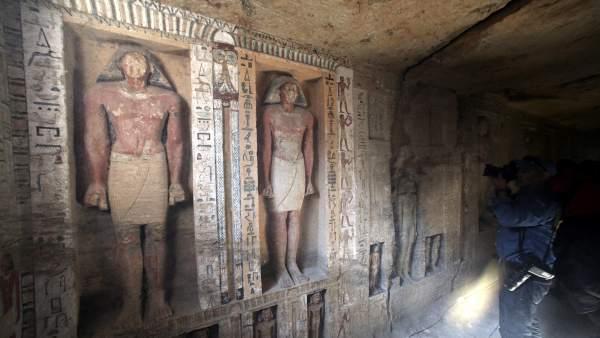 Devela Egipto la tumba casi intacta de 4 mil 400 años