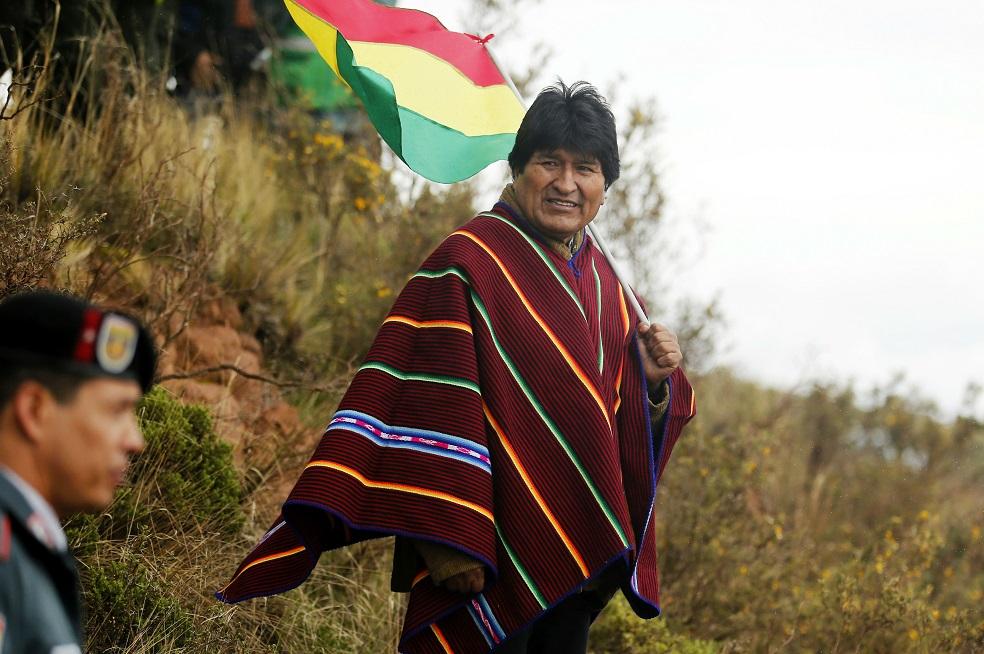 Evo Morales acelera su reelección ante creciente rechazo en su país
