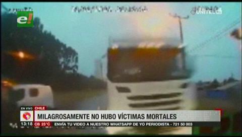 Chile: Bus choca de frente con un camión, no hay víctimas mortales