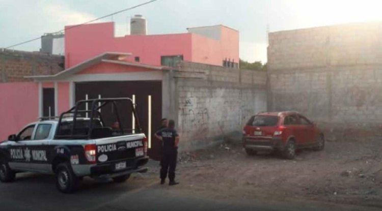 La camioneta fue abandonada con dos cuerpos en la parte trasera (Foto: mira Hidalgo)