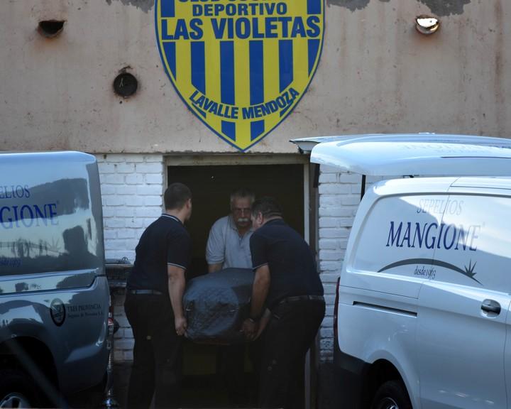 Llegaron a Mendoza los cuerpos de los cuatro futbolistas argentinos que murieron en un accidente en Bolivia