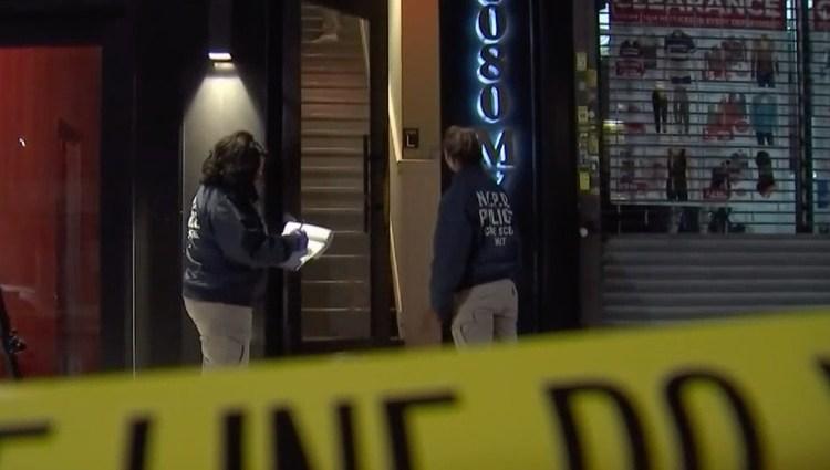 La policía investiga el hecho como un caso de violencia doméstica.