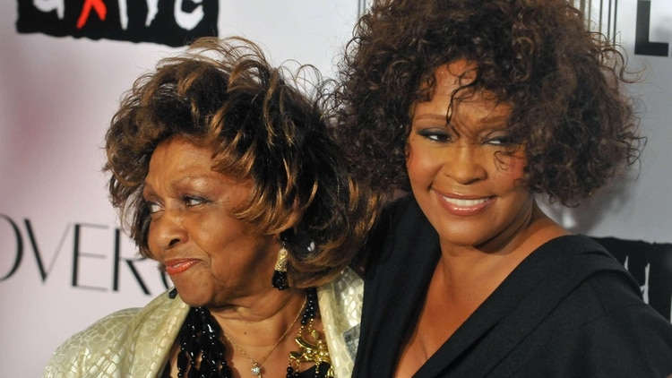 Whitney Houston y su madre Cissy (The Grosby Group)