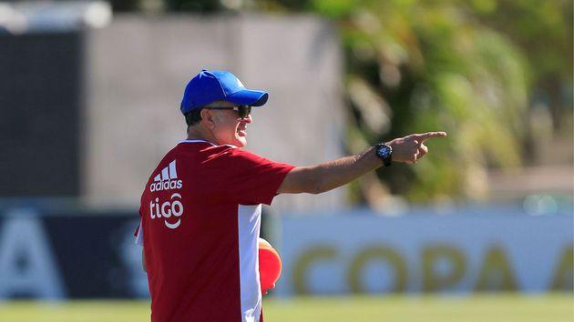 Juan Carlos Osorio deja de ser el técnico de Paraguay