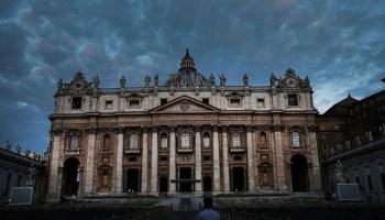 Calendario Curas Vaticano 2019.El Calendario Romano Con Los Curas Mas Atractivos Del