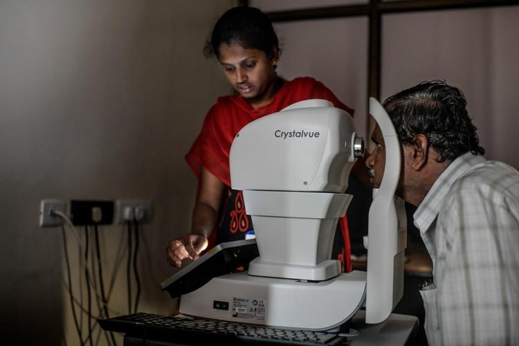 La tecnología todavía enfrenta obstáculos regulatorios en India. El sistema ocular de Google está certificado para su uso en Europa, pero espera la aprobación en Estados Unidos. (Credit Atul Loke para The New York Times)