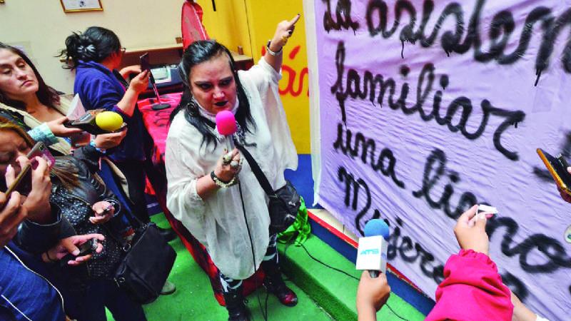 Machaca se ocultó 5 meses por no dar pensiones, dice expareja