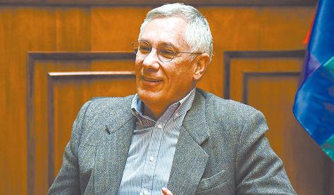 Eduardo Rodríguez Veltzé, embajador de Bolivia en los Países Bajos.