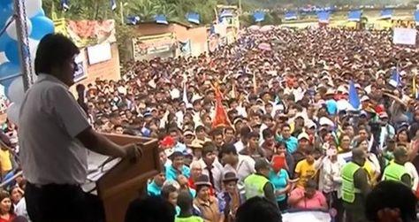 El presidente Morales en el evento público en Caranavi.