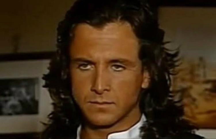 """Eduardo Palomo en una escena de """"Corazón Salvaje"""""""