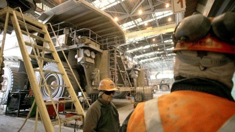 3.200 de los 4.600 trabajadores iniciaron la huelga tras rechazar la última oferta presentada por la empresa (AFP)