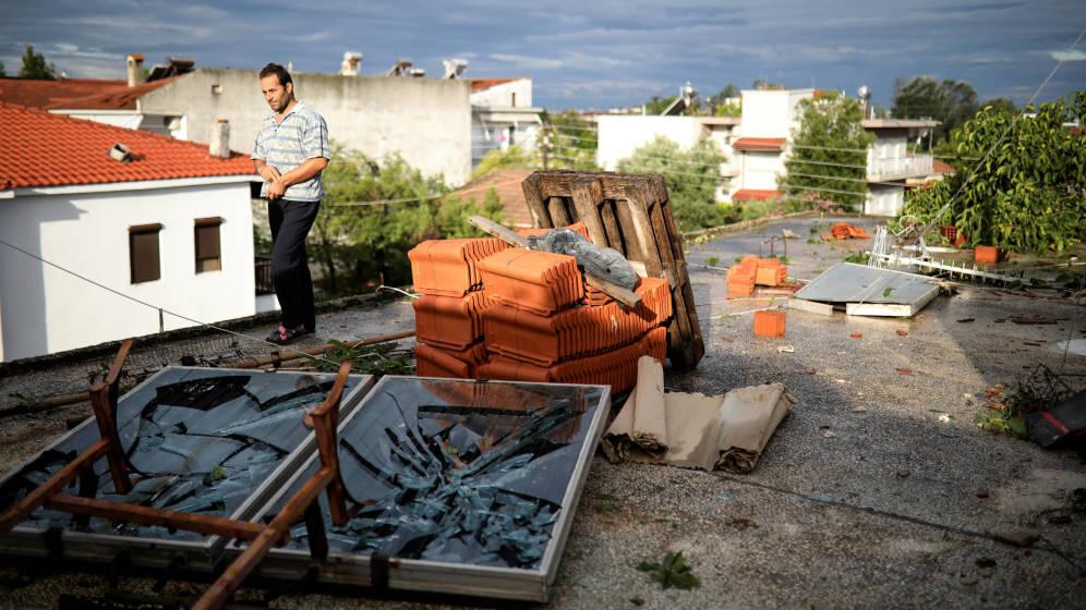 Al menos seis turistas muertos en Grecia por una tormenta de granizo