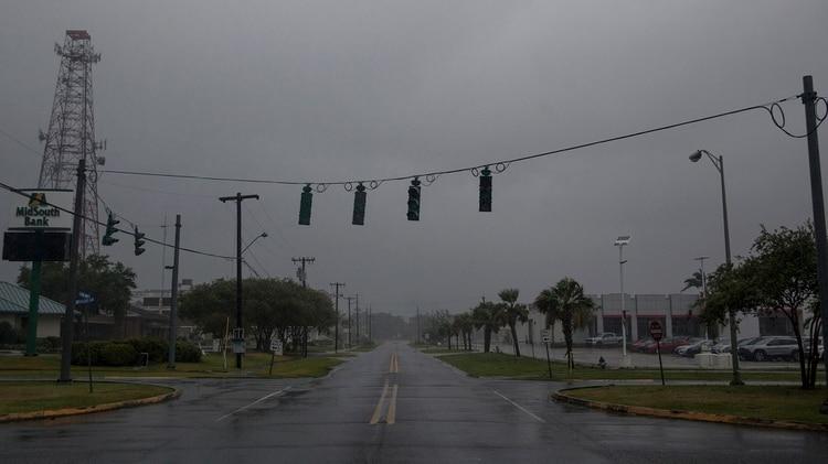 Esperan que Barry toque tierra en Luisiana en las próximas horas (Photo by Seth HERALD / AFP)