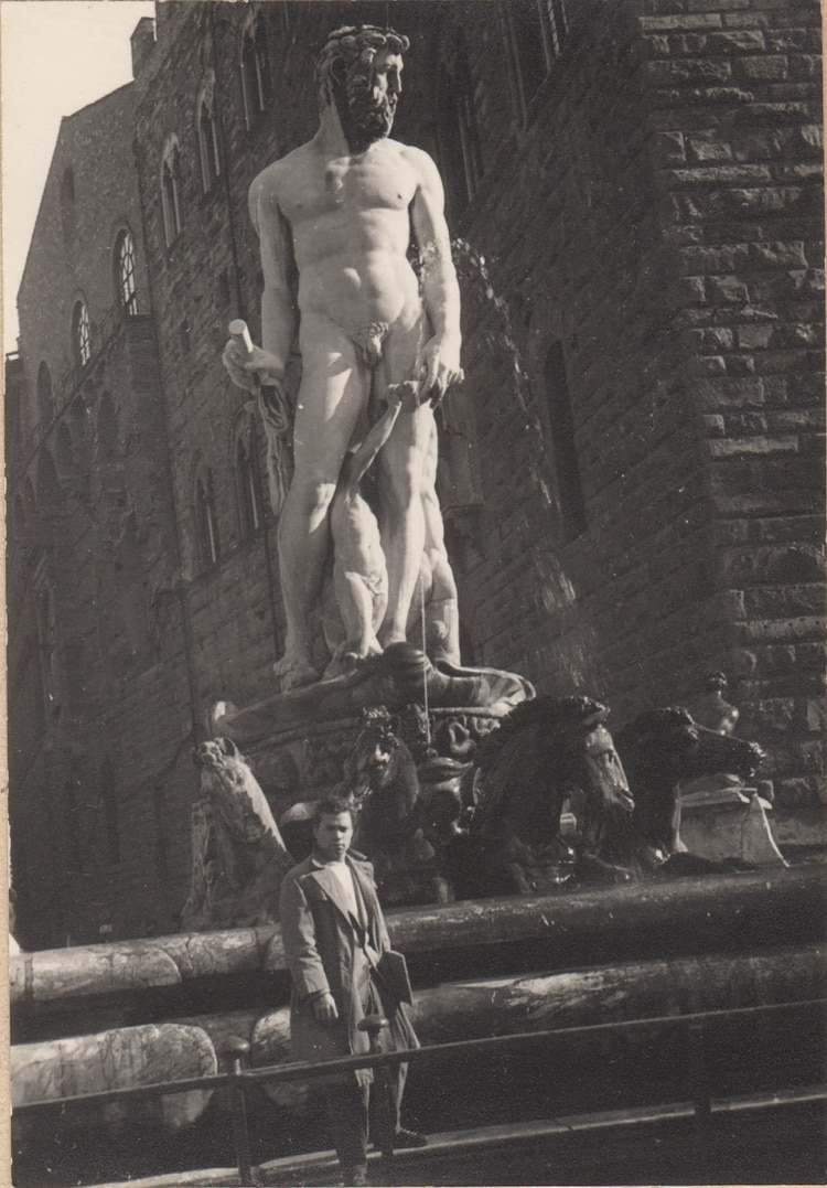 Lombana en Florencia, donde completó sus estudios de Arte y conoció a su esposa Laura.