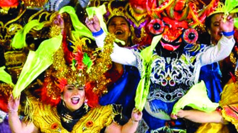Bolivia pide a Perú que respete origen de danzas del país