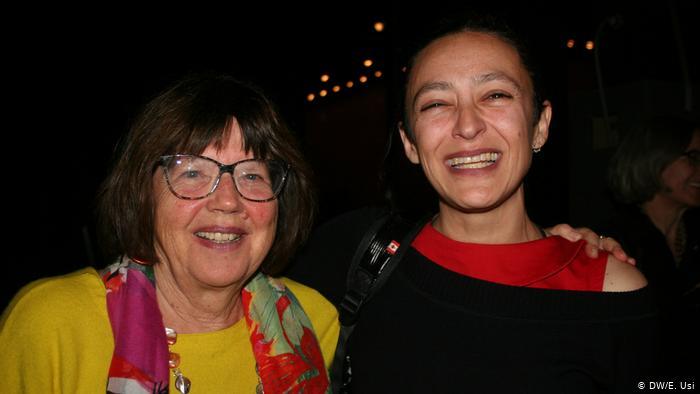 Deutschland | Internationales Literaturfestival Berlin ilb | Schriftstellerin Lina Meruane aus Chile mit der Literaturwissenschaftlerin, Verlagslektorin und Herausgeberin Michi Strausfeld (DW/E. Usi)