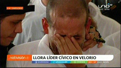 Camacho llora de coraje sobre el féretro de Marcelo Terrazas