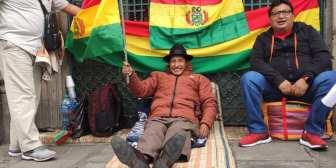 Rafael Quispe traslada su huelga de hambre a las puertas de Palacio de Gobierno…