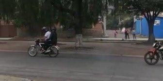 Ver video – #CochabambaJóvenes son aplaudidos cuando pasan en…