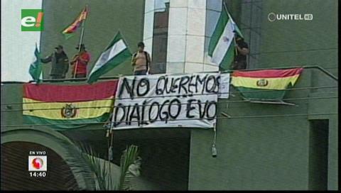 Policías cruceños le responden a Evo: «No queremos diálogo»