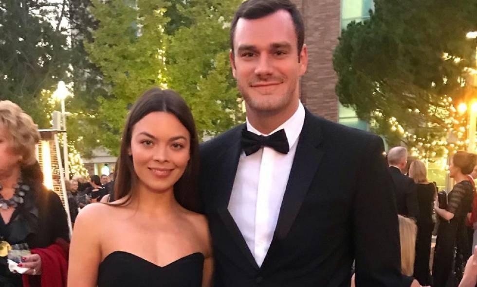 El heredero de 'Playboy' se casa con una actriz de 'Harry Potter'