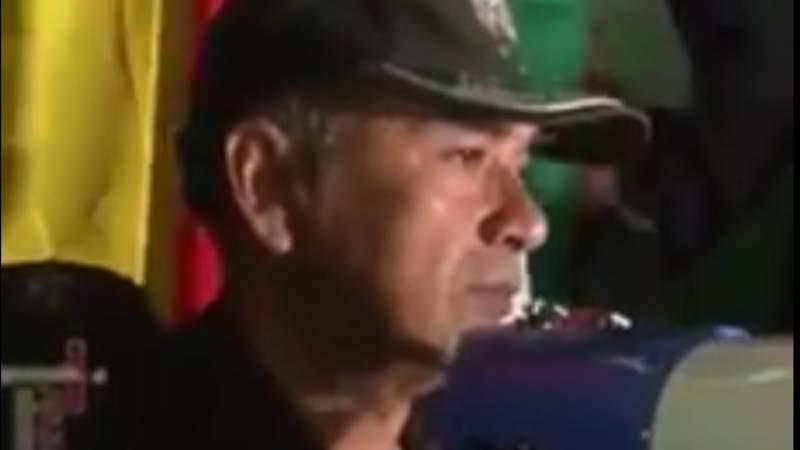 ¿Quién se rinde? Mira cómo el comandante de Tarija se unió al pueblo