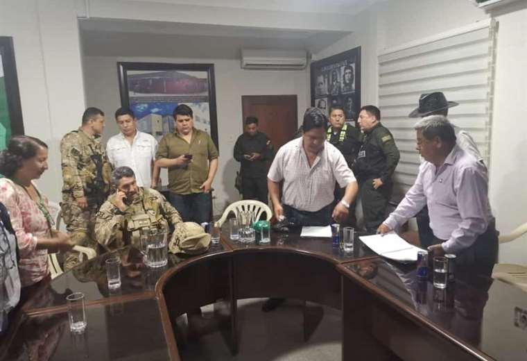 Tras negociación Yapacaní se compromete a levantar los bloqueos