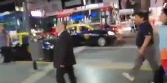 Ver video – #Argentina Vea cómo militantes del…