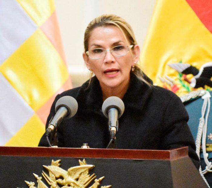 """Presidente Añez ratifica que vetará """"ley de impunidad"""" si el MAS la aprueba"""