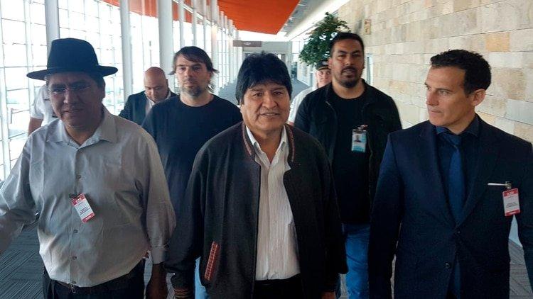 Prensa argentina: Evo Morales violó su compromiso de no realizar manifestaciones políticas
