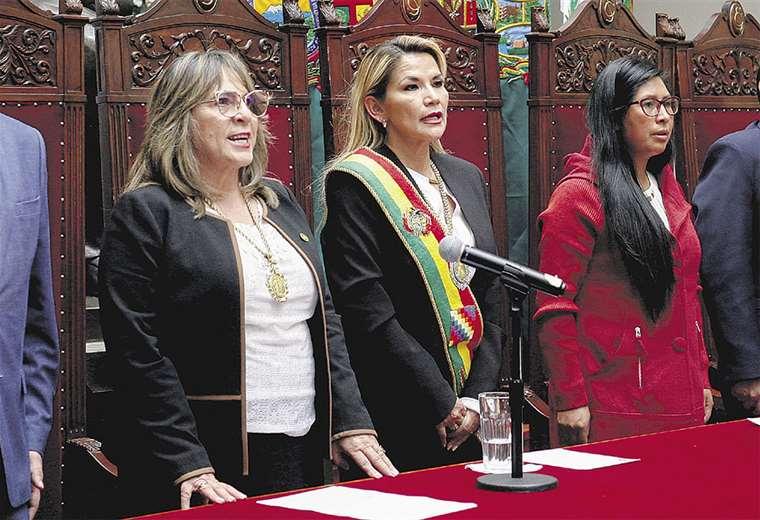La violencia contra la mujer se agrava a pesar de que Bolivia es liderada por mujeres. La justicia asumió el reto de erradicar este flagelo . Foto: ABI