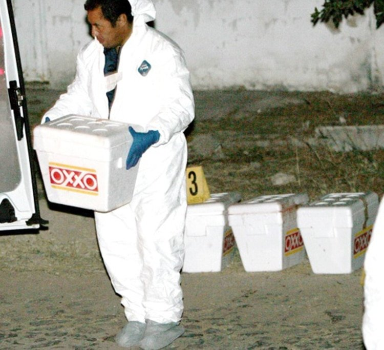 En las hieleras se encontraron mensajes dirigidos a un narcomenidista conocido como Goyo (Foto: EFE)