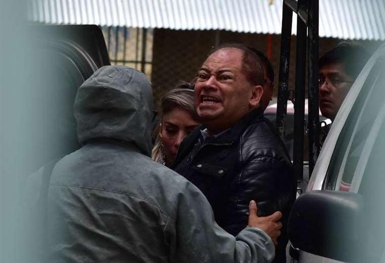 El momento en que el exministro Carlos Romero es aprehendido   Foto: APG