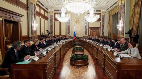 El primer ministro Medvédev anuncia la dimisión del Gobierno ruso