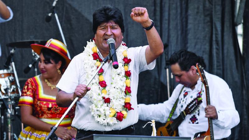 Evo Morales hace campaña en Argentina y dice siete mentiras