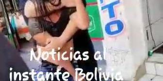 Ver Pelea de mujeres – #NoticiasalinstanteBolivia Pelea en el mercado «Los Pozos», una…