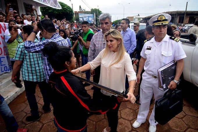 Presidenta Áñez anuncia obras millonarias para Guayaramerín