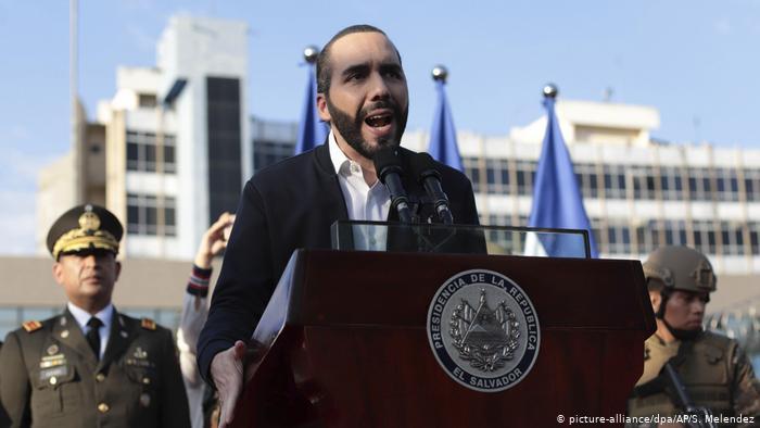 El Salvador | Präsident Nayib Bukele (picture-alliance/dpa/AP/S. Melendez)