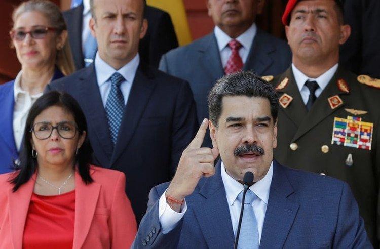 FOTO DE ARCHIVO-El presidente venezolano, Nicolás Maduro, declara en una conferencia de prensa en el Palacio de Miraflores en Caracas, Venezuela, Marzo 12, 2020. REUTERS/Manaure Quintero