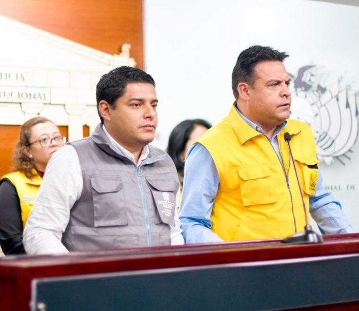 EL MINISTRO DE JUSTICIA Y EL ALCALDE DE LA PAZ, EN CONFERENCIA DE PRENSA.