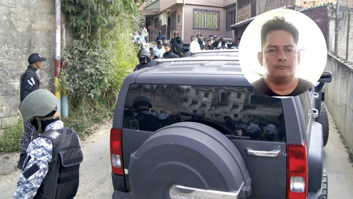 La Policía Federal de Brasil y Claudio Caiguara, tras su detención en Bolivia. ARCHIVO