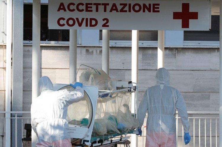 """""""Una pandemia como esta no se disipa por sí misma, como Ioannidis sugirió que era posible"""